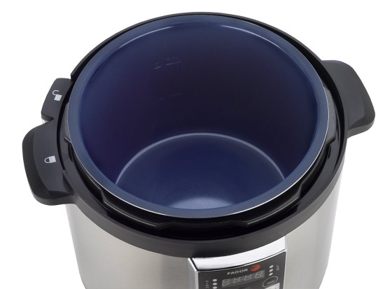 Fagor LUX 8 quart Electric Pressure cooker inside veiw