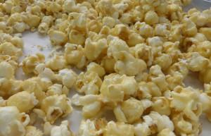 Holiday-caramel-popcorn