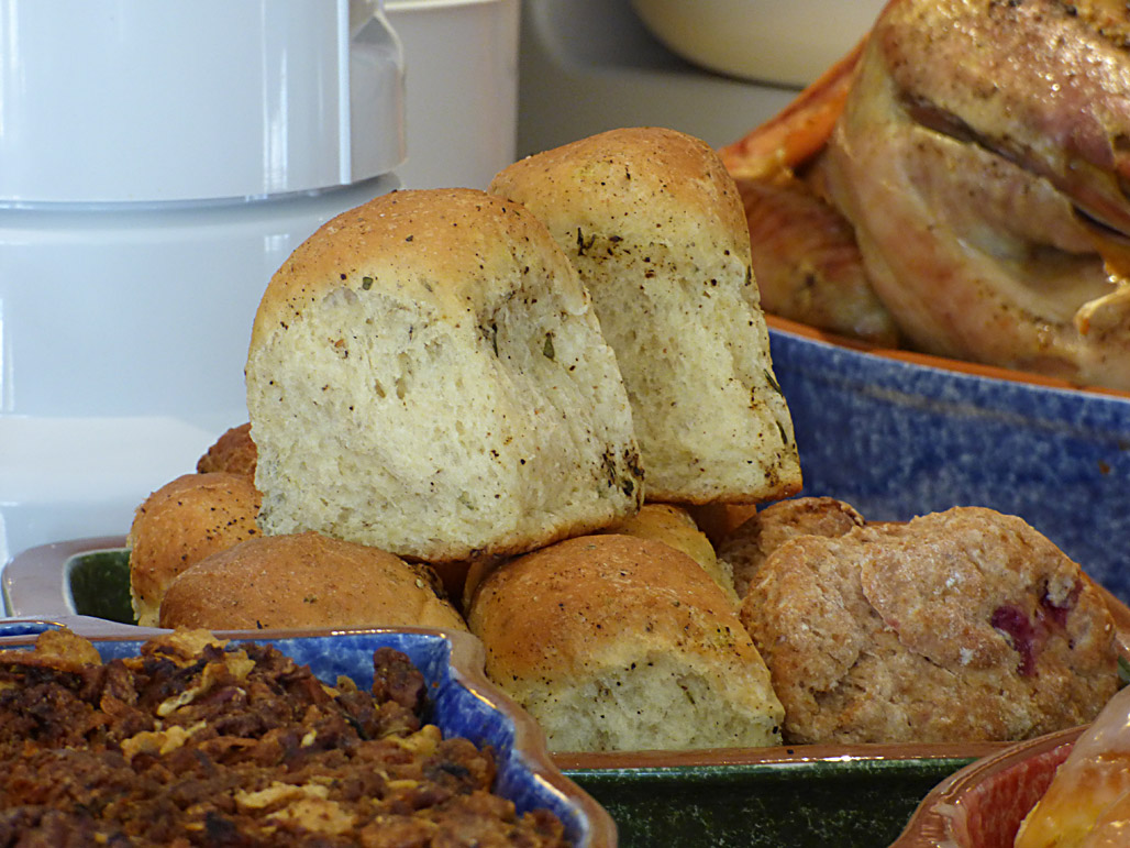 Rosemary Black Pepper Pull-Apart Butter Rolls