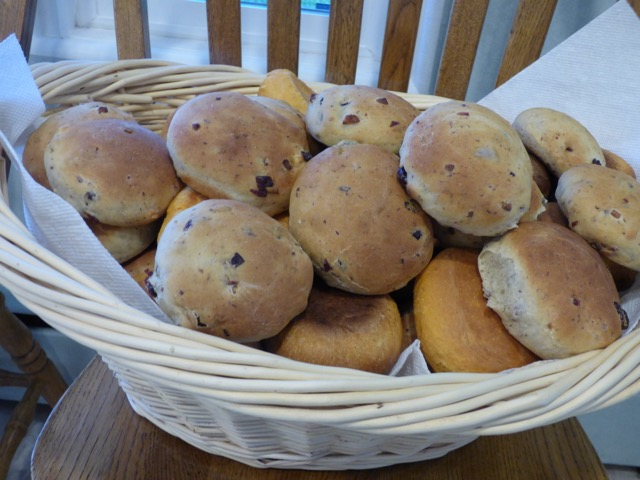 Olive Flat Bread (Pantry Members)